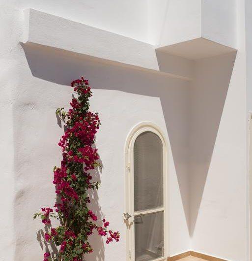 ktimatoemporiki cave house for sale in santorini