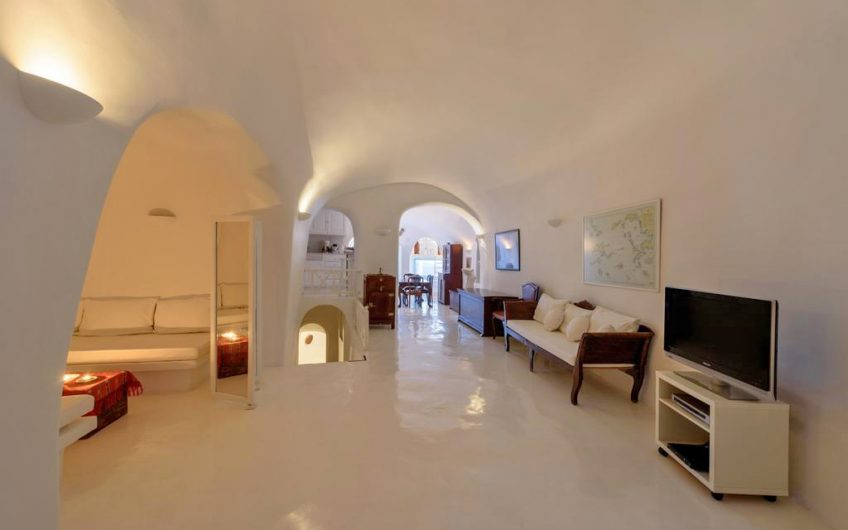 ktimatoemporiki villa for sale santorini
