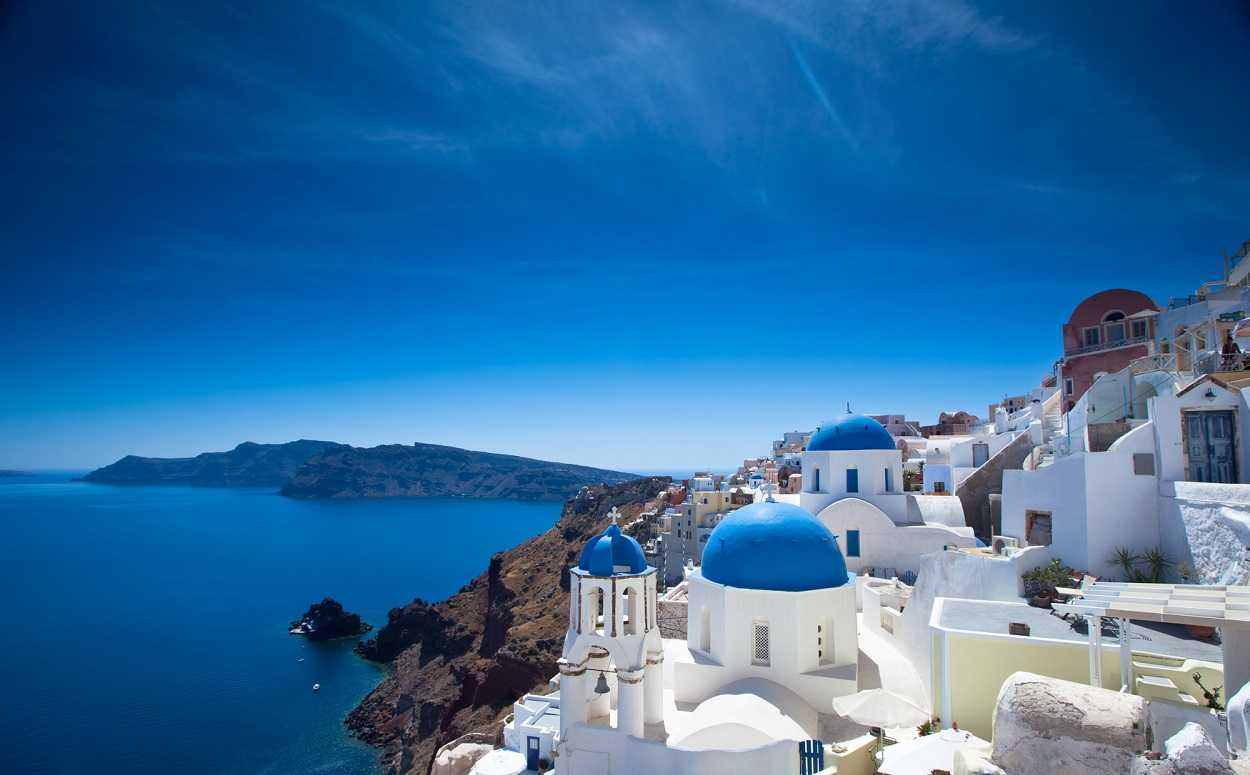 Survey Three out of 10 Britons dream of holidays in the Greek